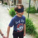 [en]: blindfolded guy