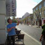 [en]: on the street